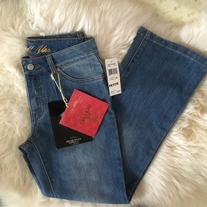 NWT Size 4 Dream Jeans